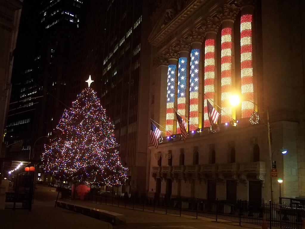 trading around the holidays